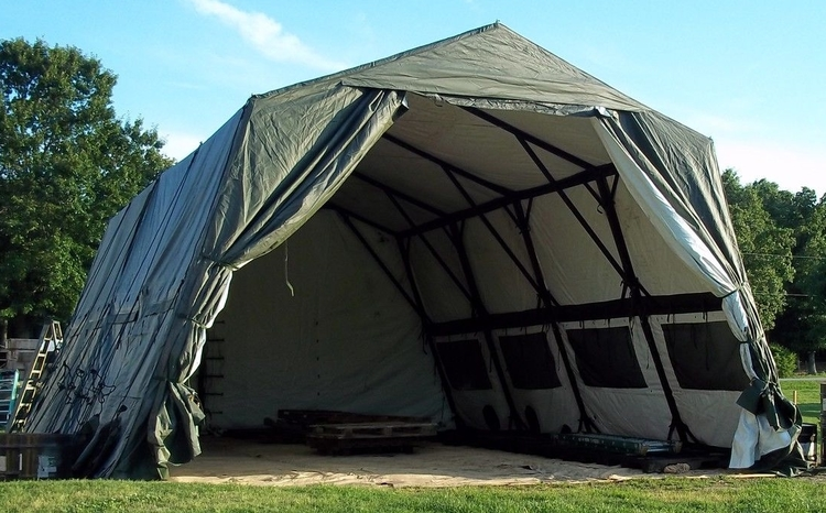 LIGHTWEIGHT MAINTENANCE TENT (LME 24′ X 32′) LIGHTWEIGHT MAINTENANCE TENT (LME 24′ X 32′)